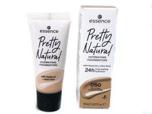 Essence Pretty Natural Hydrating Foundation | Review