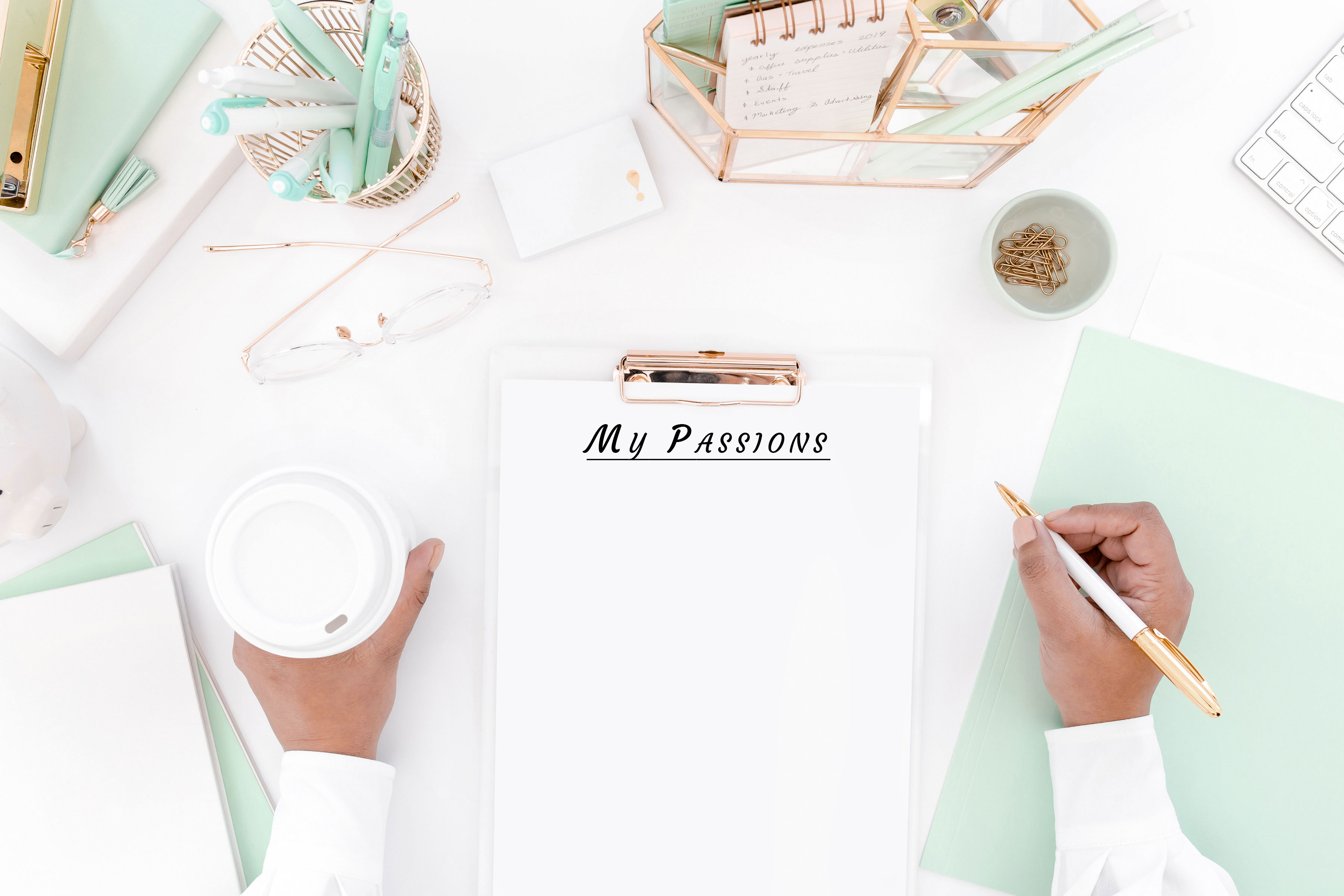 Why Blogging Is the Ideal Activity for Multipassionate Women!