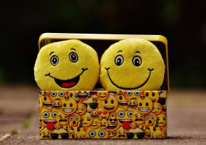7 Easy Ways To Make Yourself Feel Happy Every day By Removing The 'Blocks'