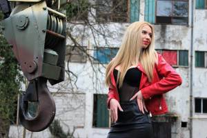 WOMAN RED LEATHER JACKET