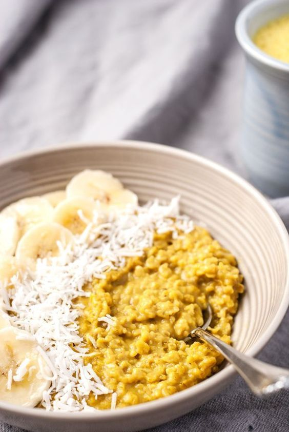 3 Healthy Breakfast Recipes: Oatmeal Pancakes, Turmeric Oats, and Peanut Butter Smoothie Bowls