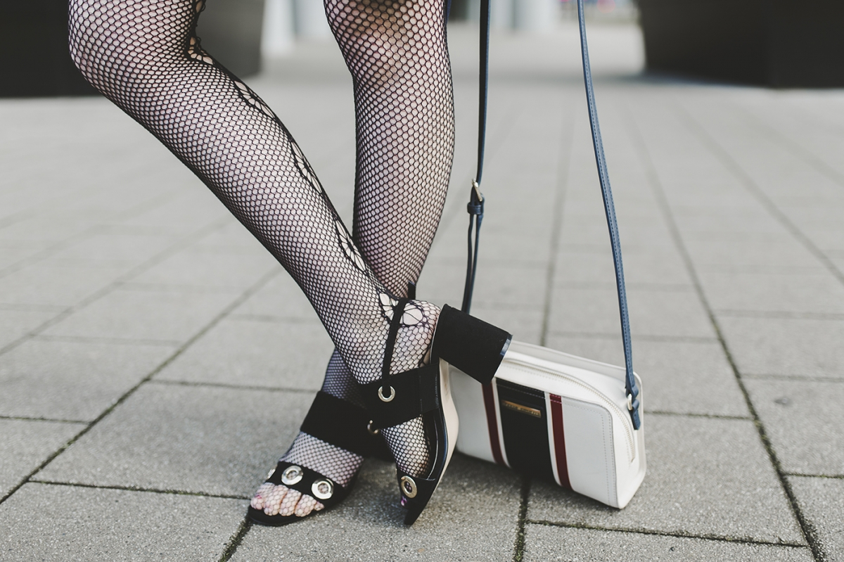 Fishnets are taking over...