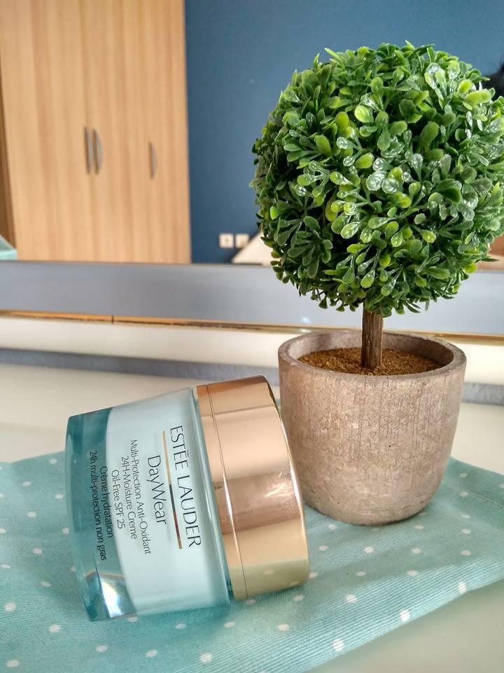 Estée Lauder's DayWear moisturizer: Buy it or not ?