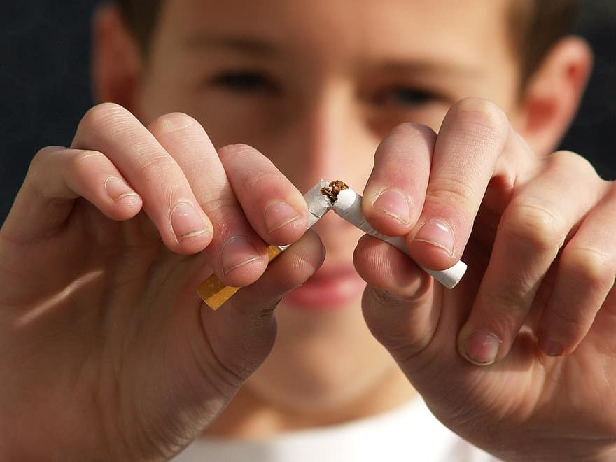 8 Helpful Tips to Help You Quit Cigarettes