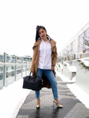 The Camel Coat for an everyday outfit