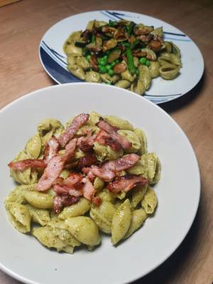 Pesto Pasta Two Ways | Easy Recipe For Both Meat-Lovers & Vegans