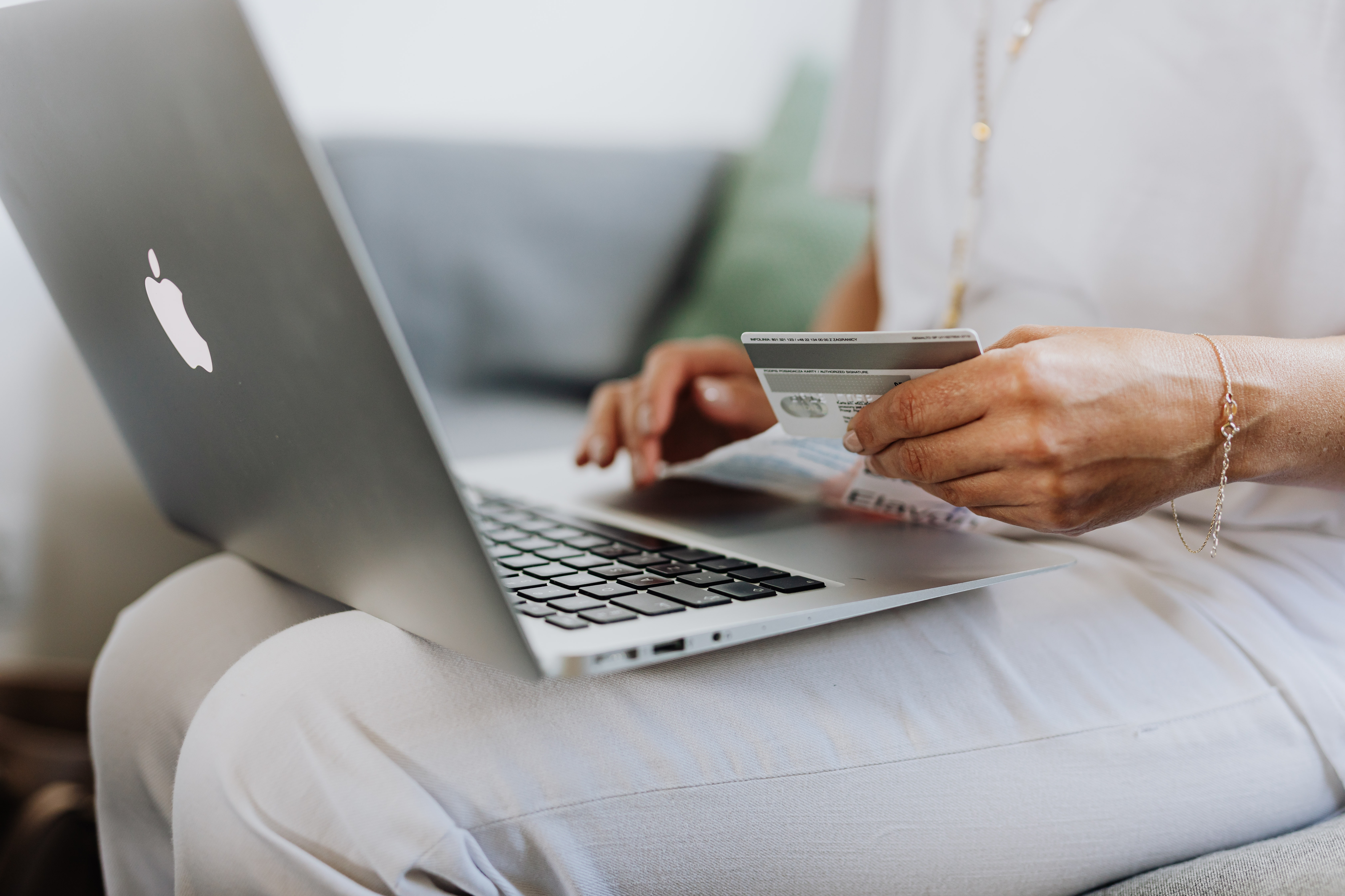 How to AVOID Shopping Scams