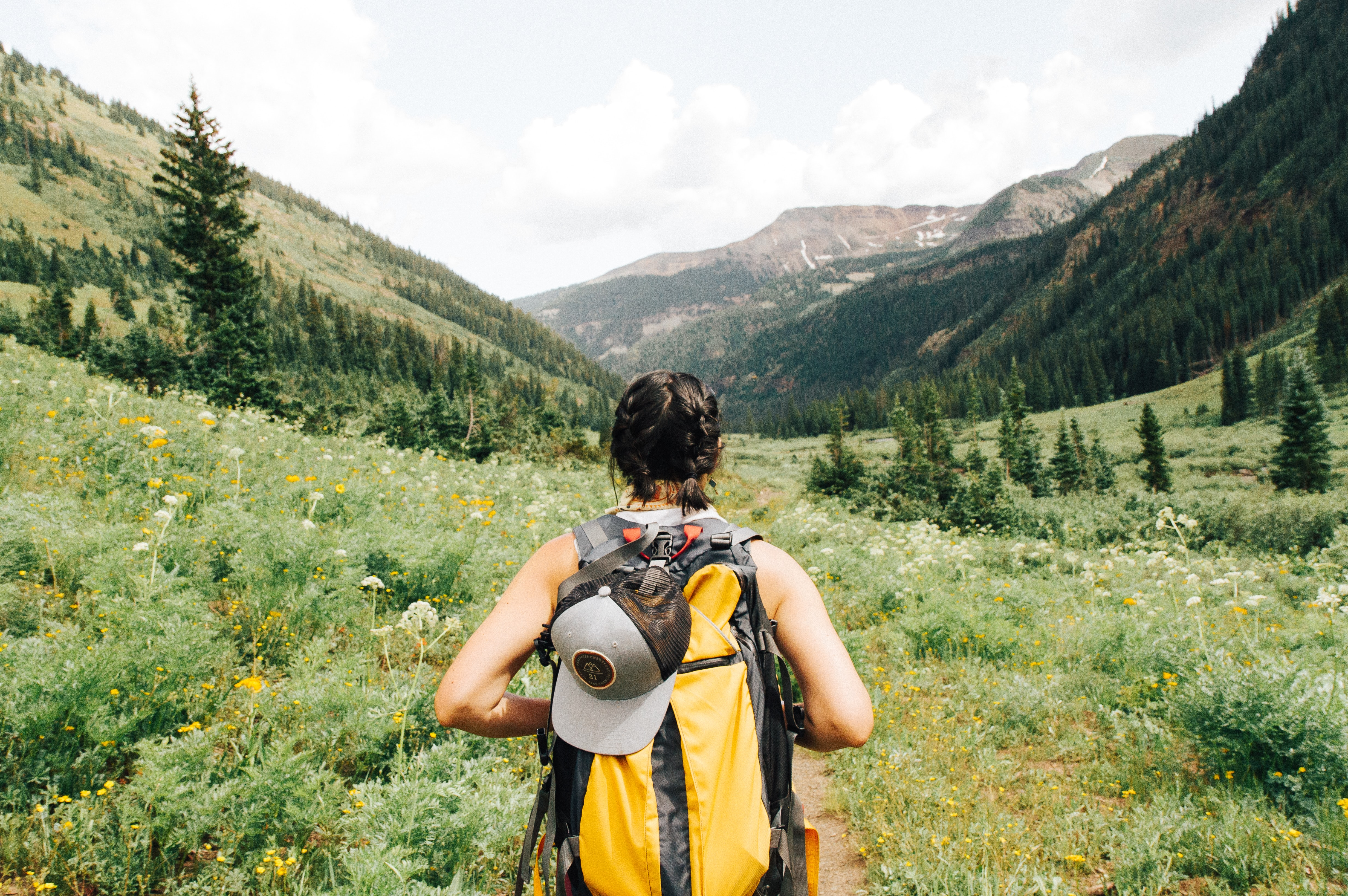 15 Ultimate Solo Hiking Tips For Women